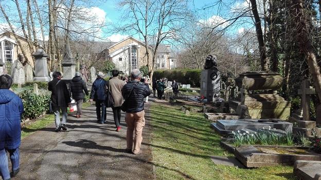 160328 イギリス3日目・マルクスの墓 (32)