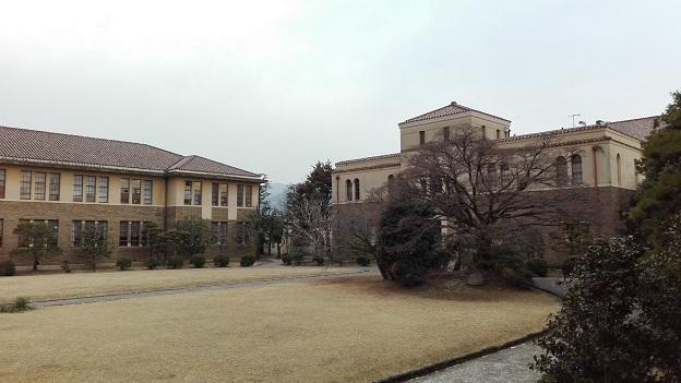 180228 大学中庭 (1)