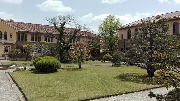 180416 大学・中庭 (4)