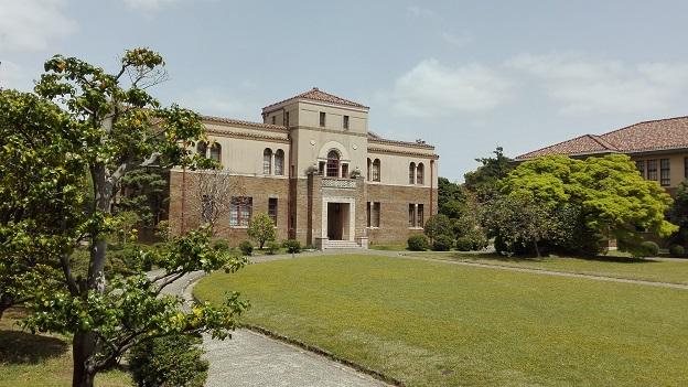 180416 大学・中庭 (1)