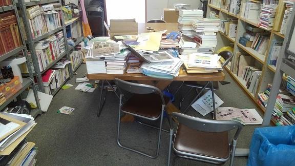 180619 地震で研究室は (7)