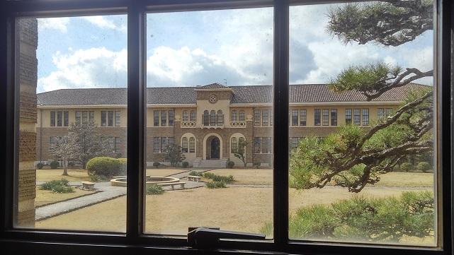 190214 大学中庭 (1)