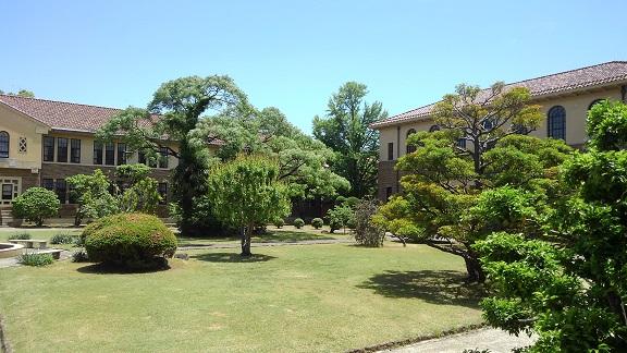 190522 大学中庭 (4)