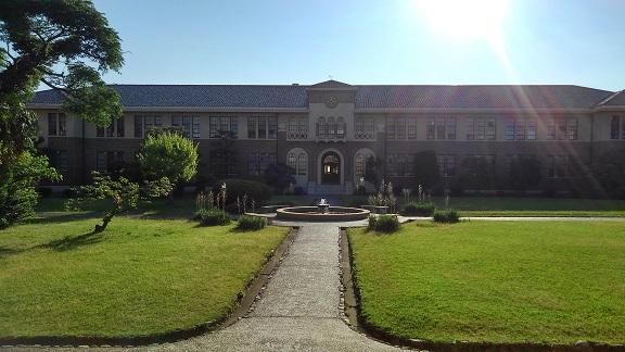 190625 大学中庭 (1)