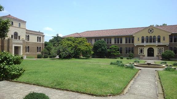 190717 大学中庭 (13)